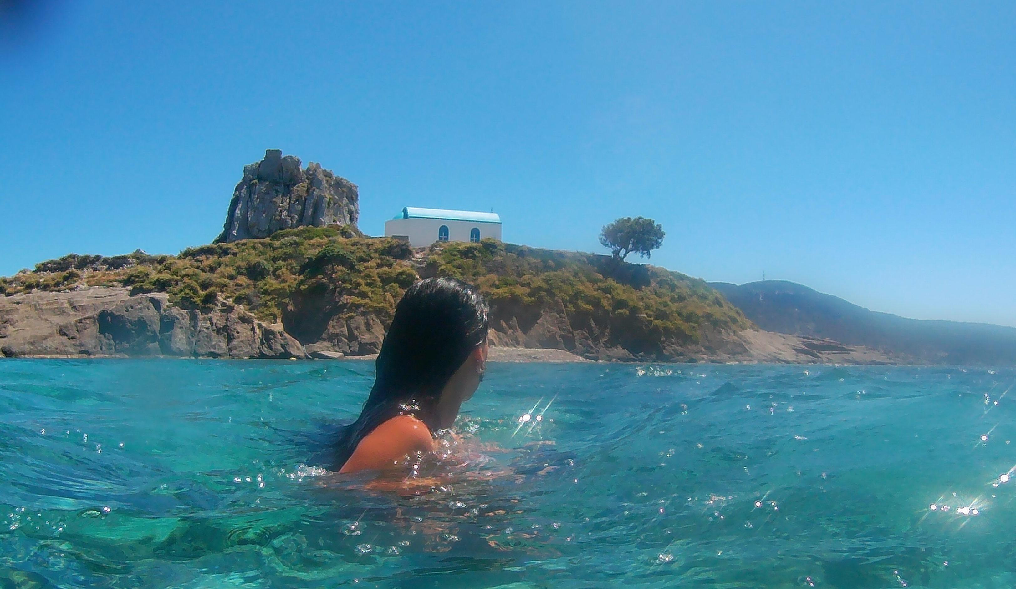 Yüzerek adaya çıkıyoruz