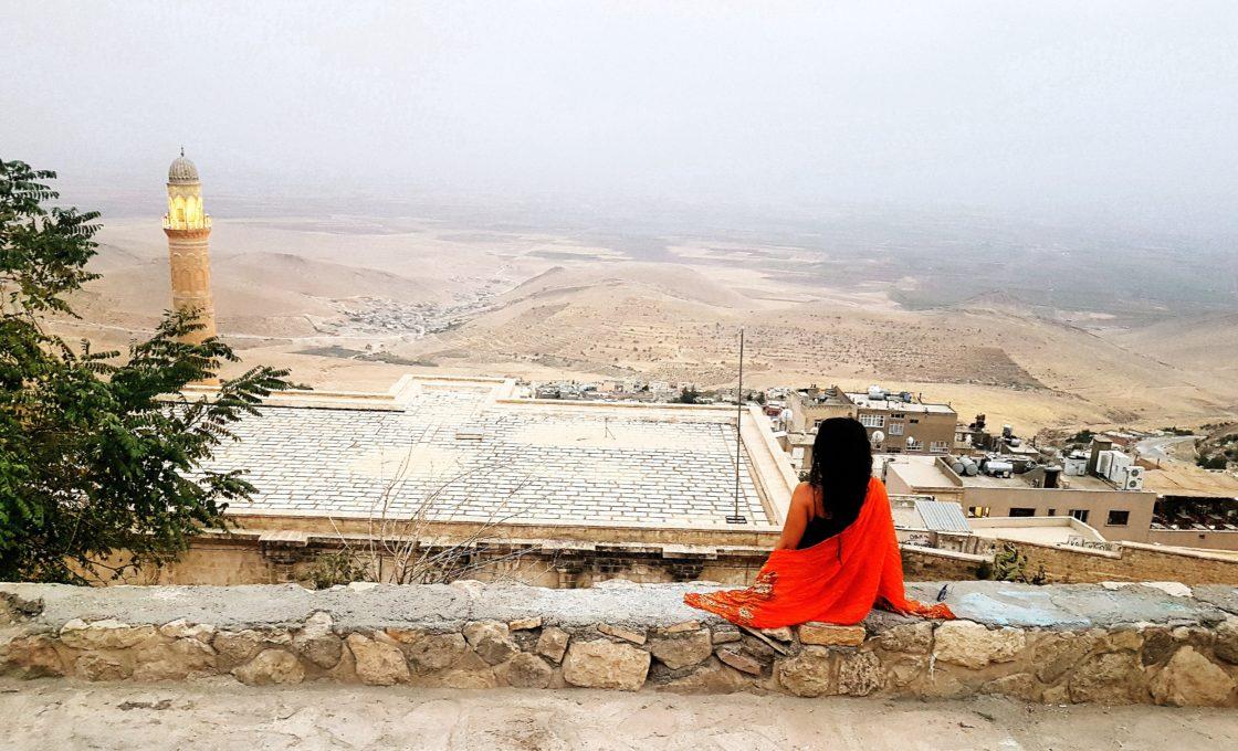 Zinciriye Medresesi önünden Mezopotamya manzarası
