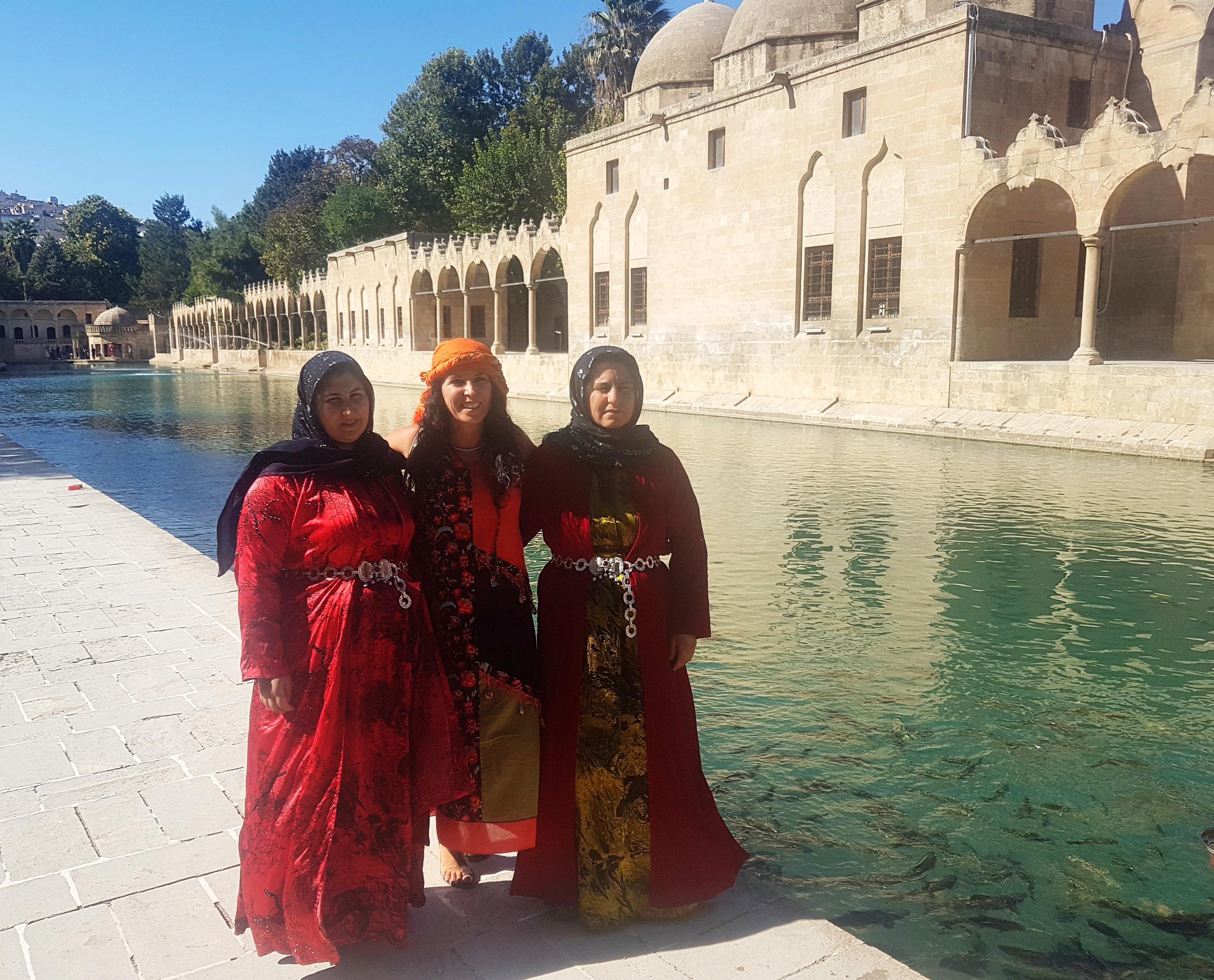 Şanlıurfa Balıklı Göl ve yörenin kadınları