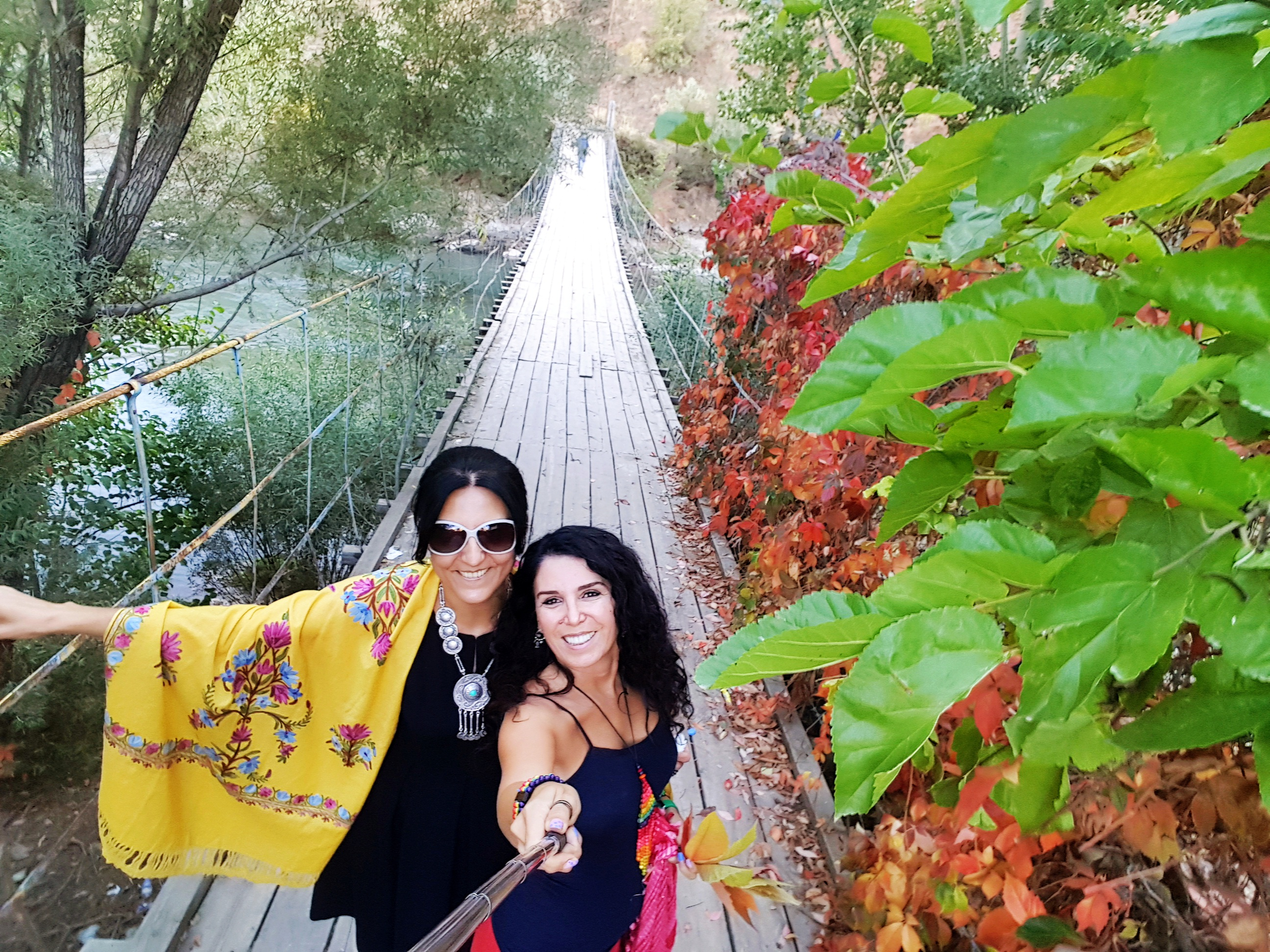 Munzur Çayı asma köprü, Hülya'yla