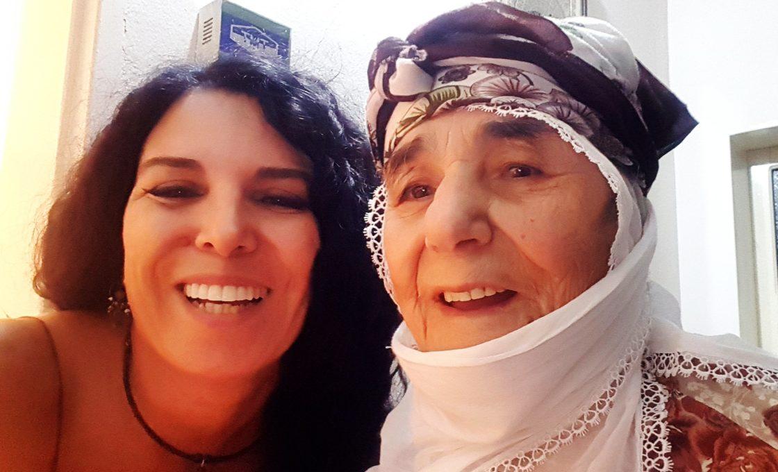 misafir kaldığım evdeki nene Türkçe bilmiyor