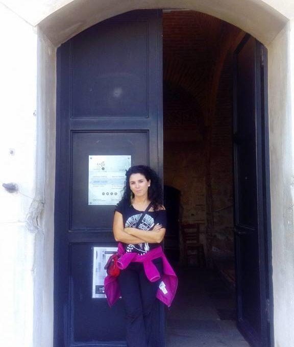 Beyaz Kule kapısı