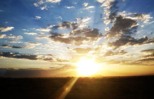 Masai Mara bozkırlarında gün batımı