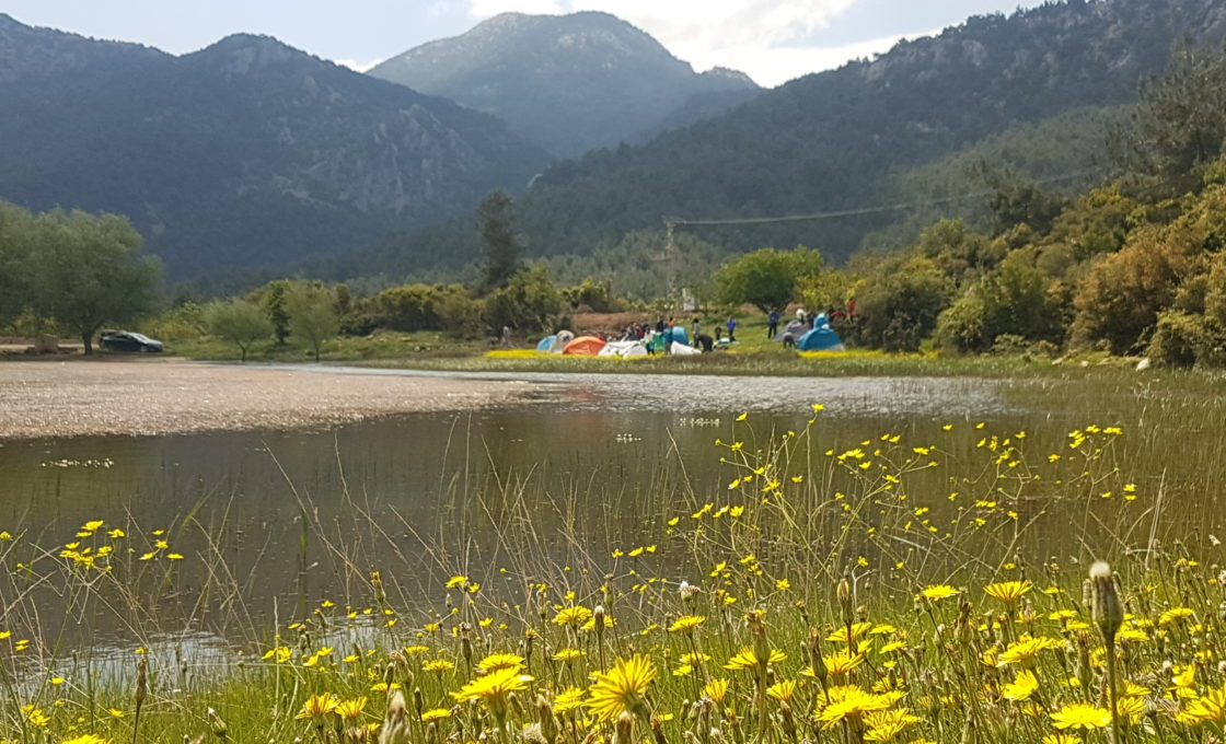Sülüklü Göl, Spil Dağı