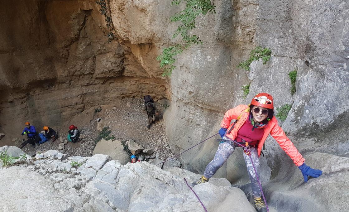Yarıkkaya Kanyonu. Mağara