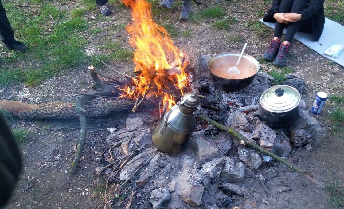 Ayvaini Mağarası Kampın da kahvaltı