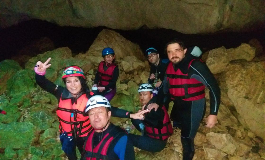 Ayvaini Mağarası mola