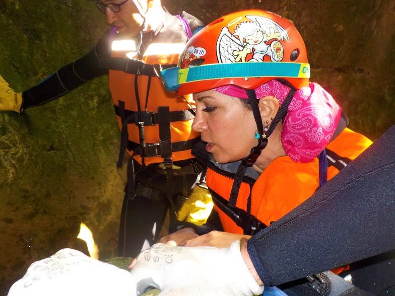 Ayvaini Mağarası aşağı inme stresi