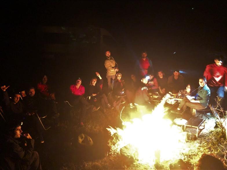 İnhisar, kamp ateşi