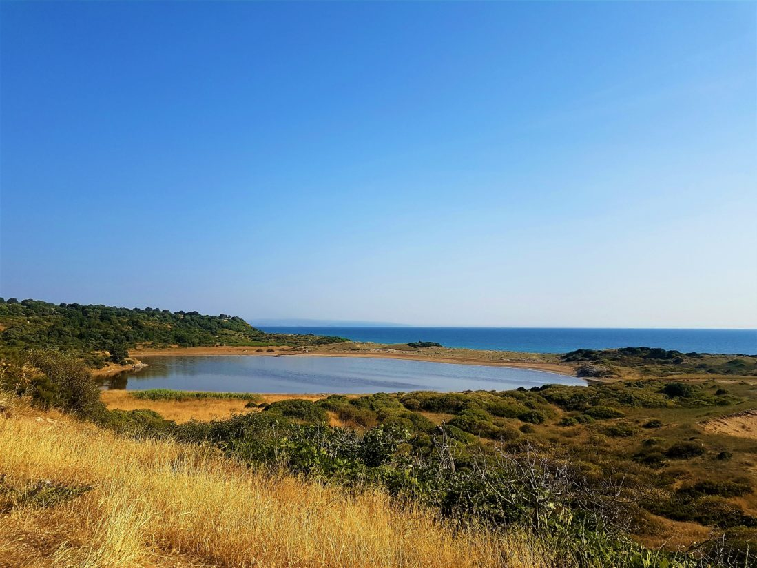 Sadece Temmuz Ağustos da pembe olan Pembe Göl