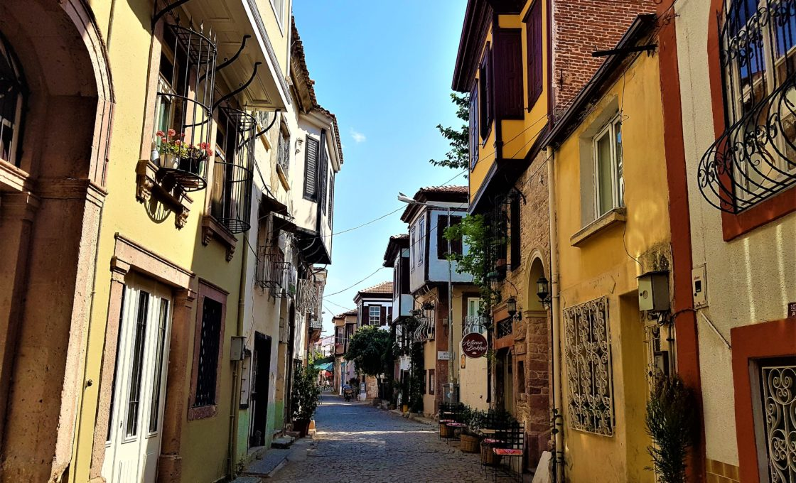 Ayvalık'ın daracık sokakları