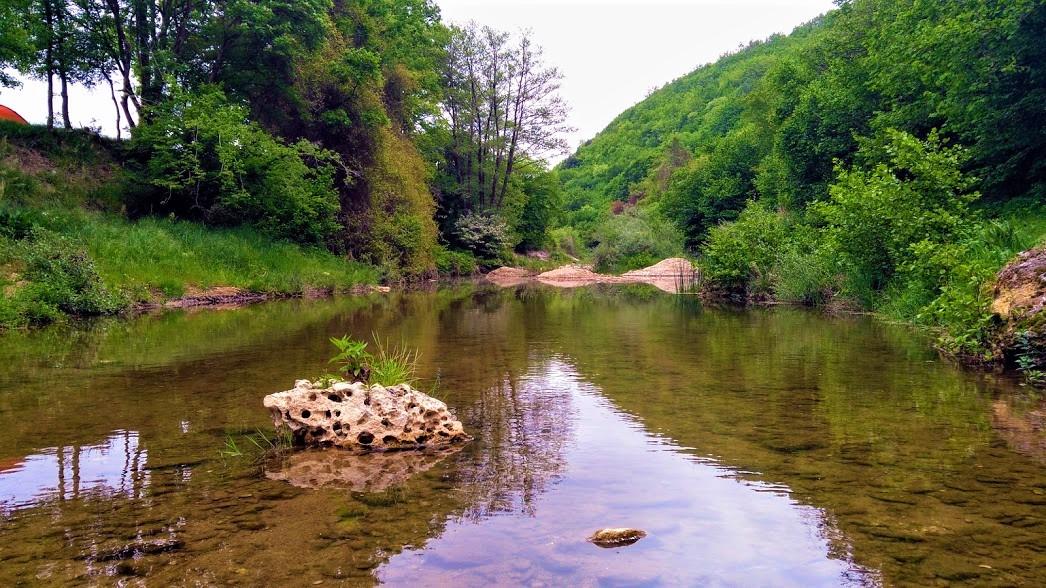 Kanara Kayalıkları