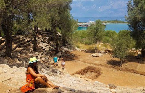 Sedir Adası, Agora Tiyatroc