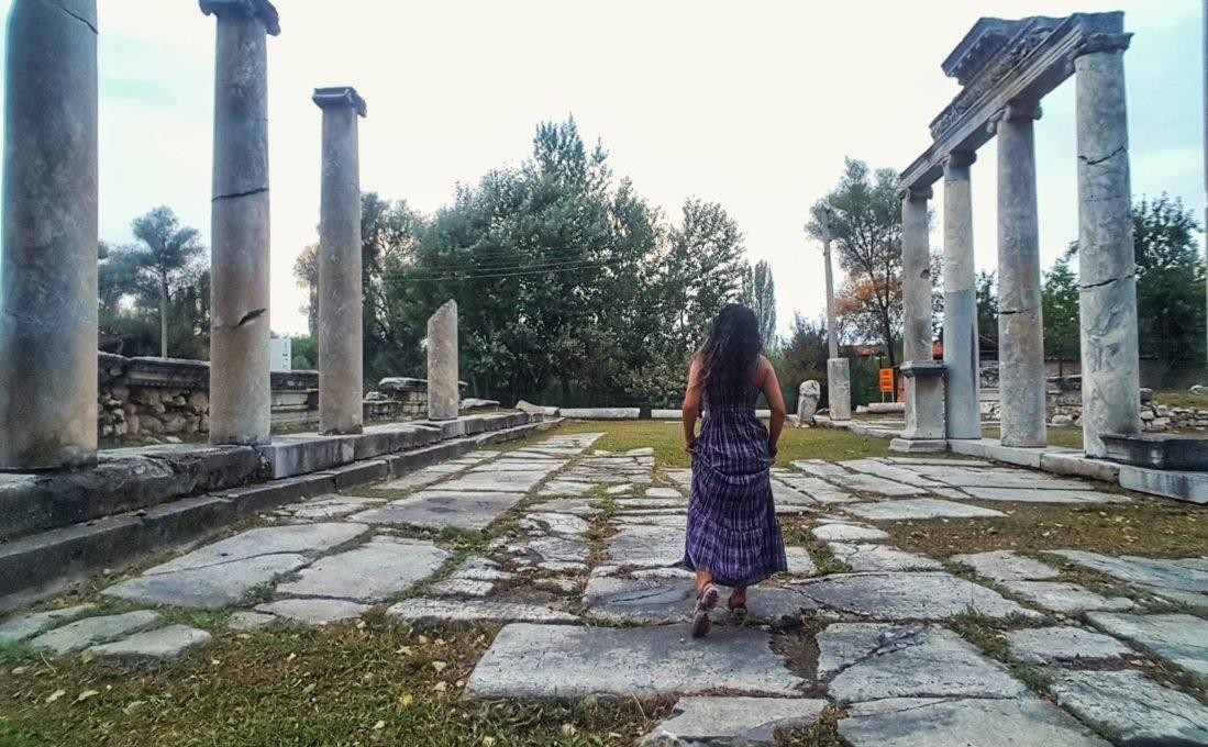 Aizanoi Antik Kenti, Sütunlu Yol