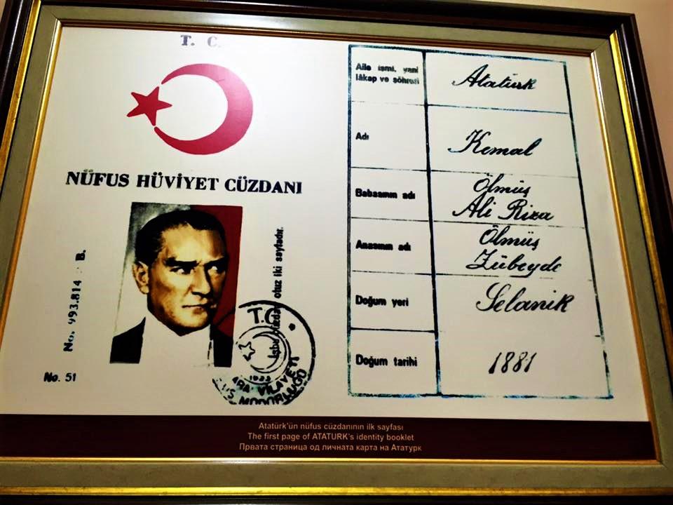 Manastır, Atatürk'ün kimliği