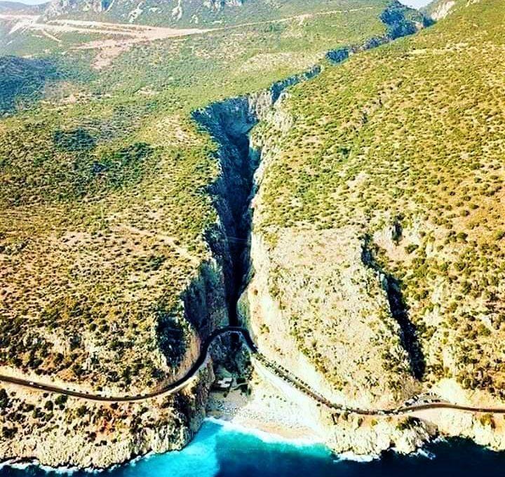 Kaputaş Kanyonu ve Plajı